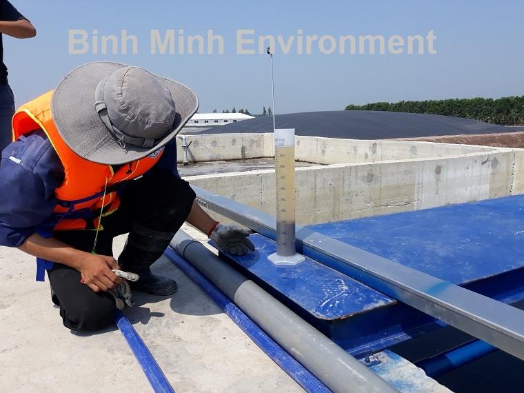 Hình 2. Vận hành hệ thống xử lý nước thải tại KCN Vsip 2 - Kiểm tra hệ thống vi sinh